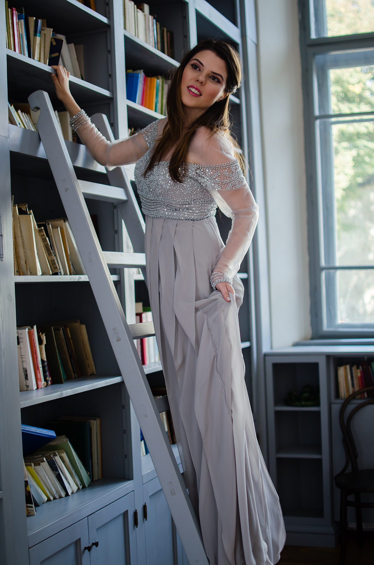 dreamy-library-photoshoot