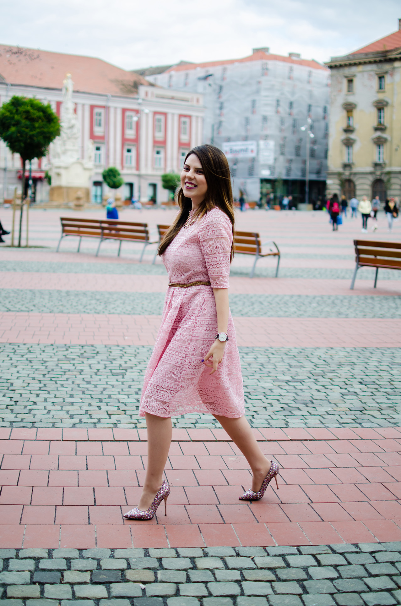 pink-short-sleeve-dress