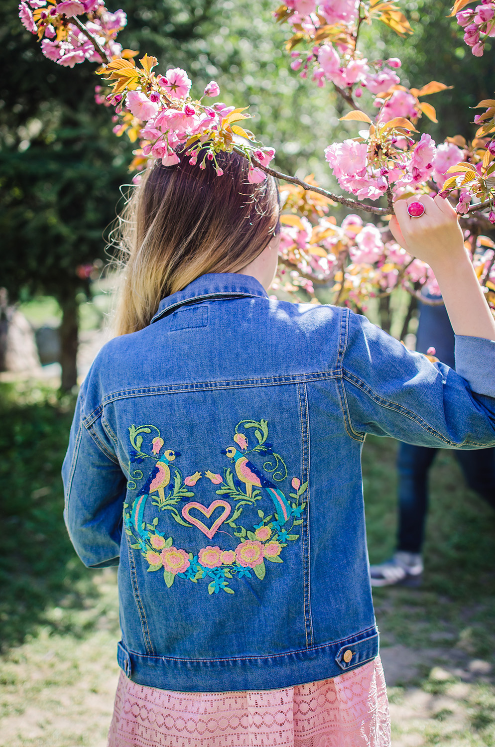 rosegal embroidered jeans jacket