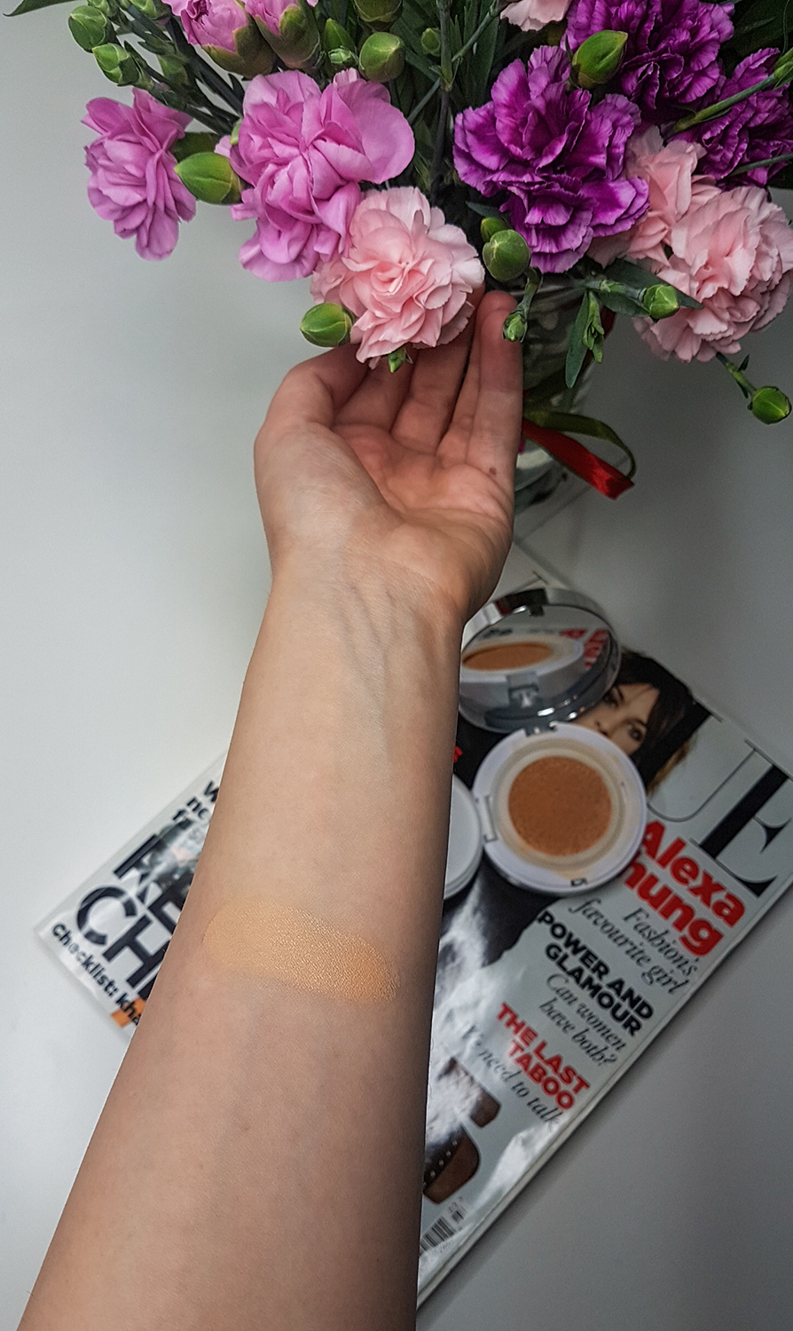lancome miracle cushion swatch 01