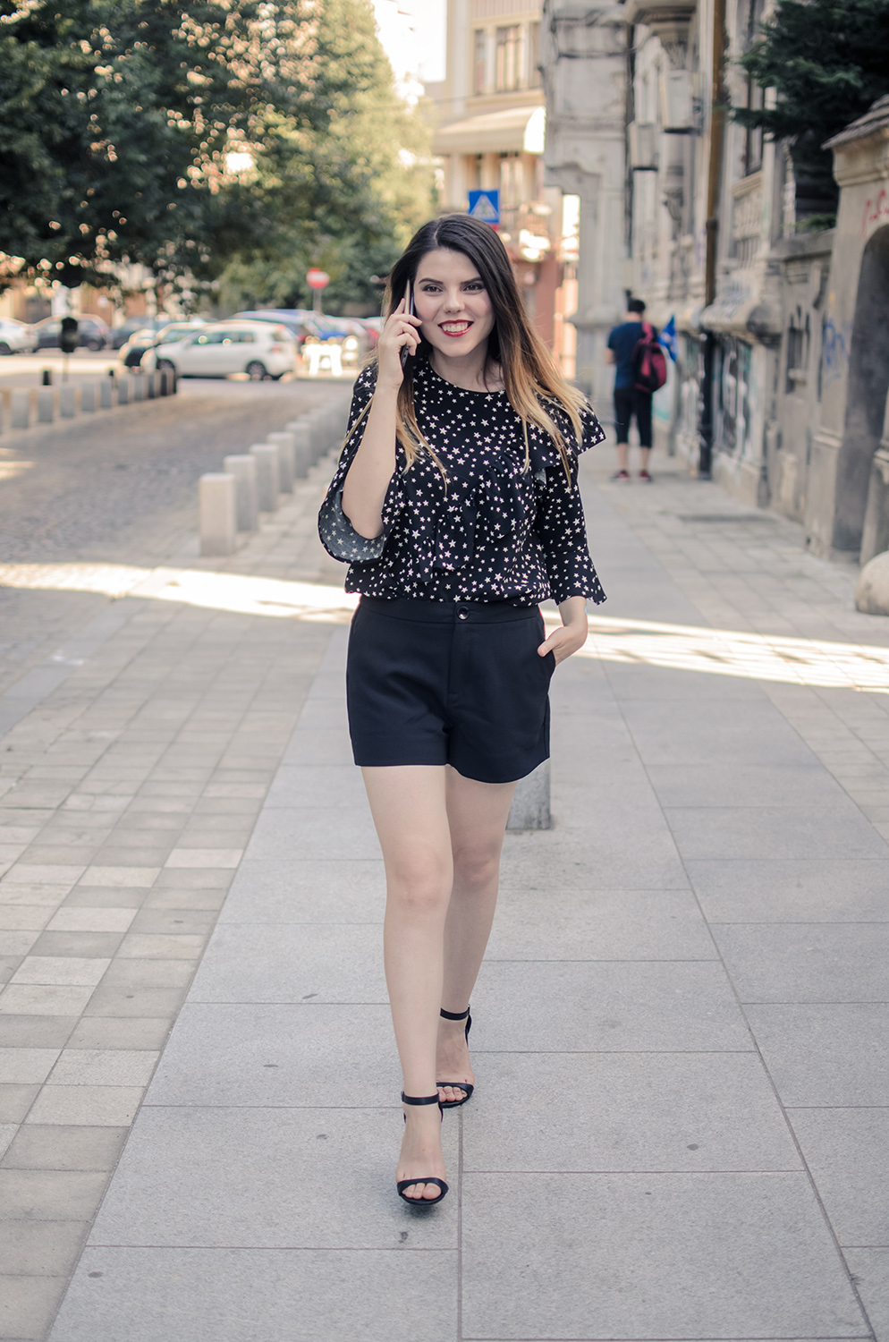 all black summer outfit short and flared blouse