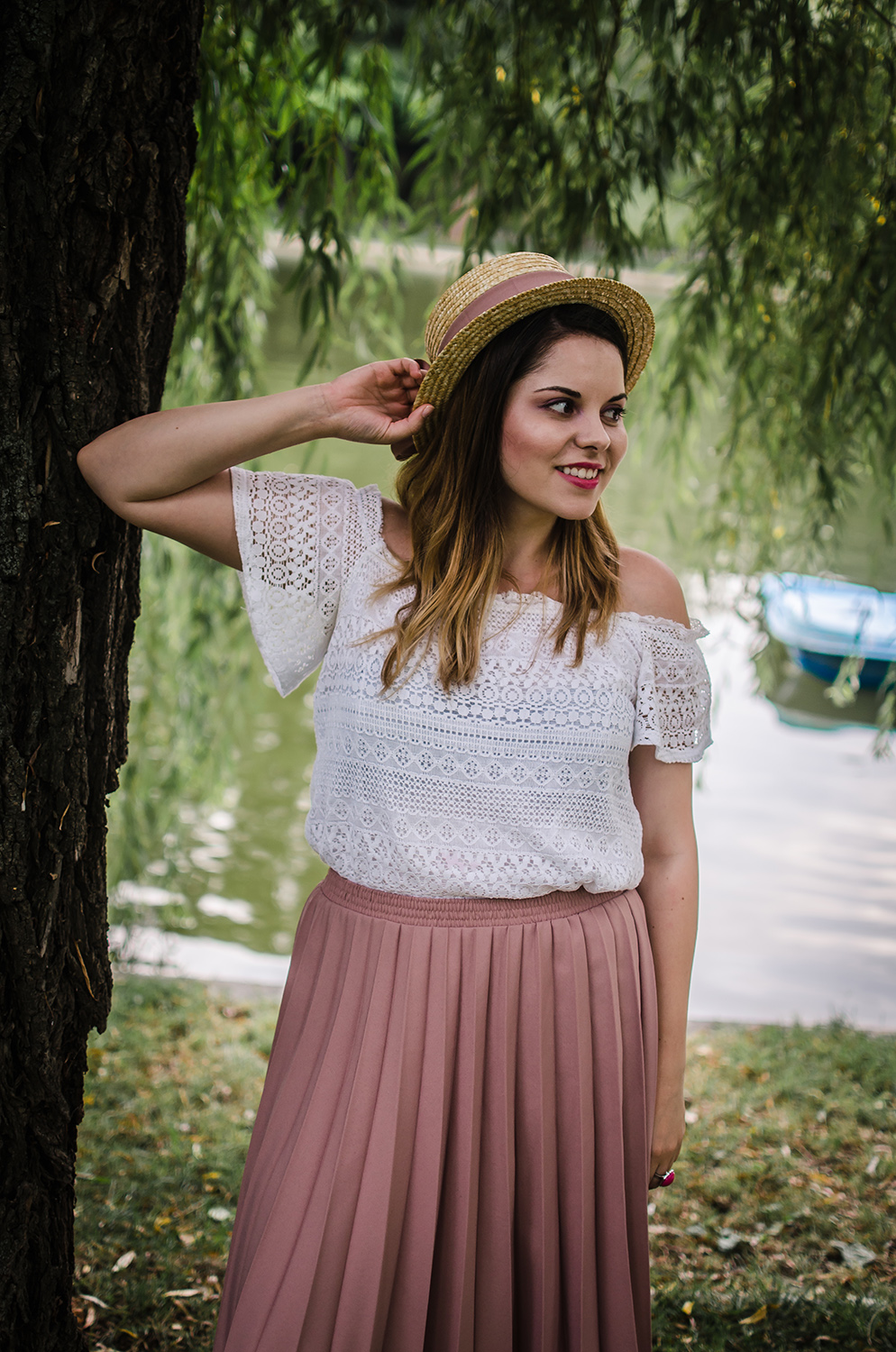 pink pleated skirt straw hat picnic outfit anotherside of me blog