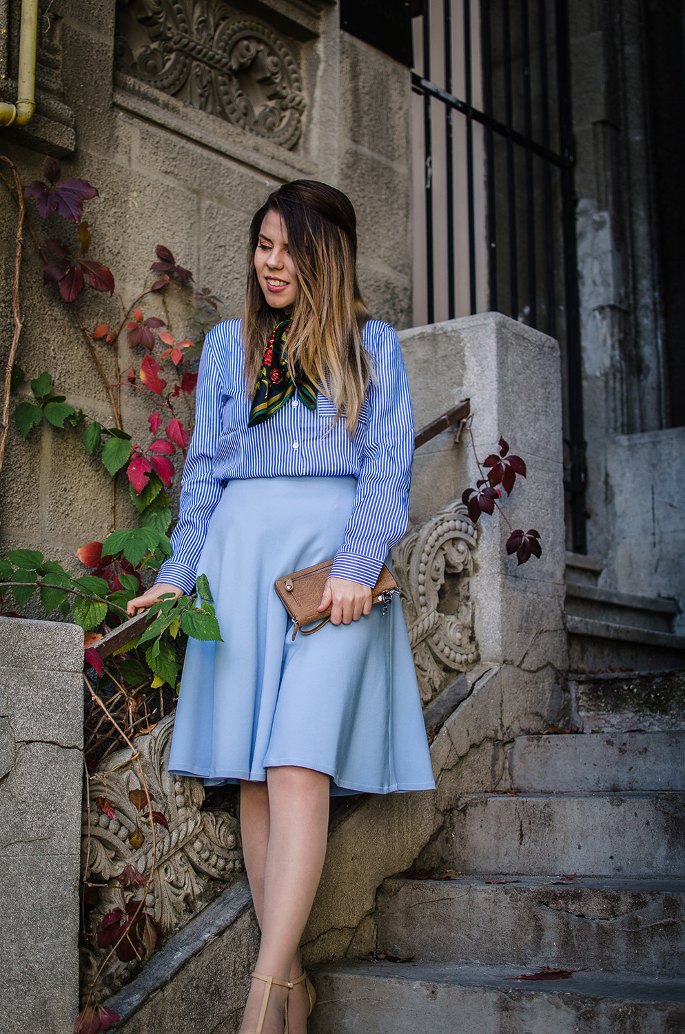 romanian blogger blue outfit anotherside of me blog
